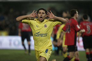 riquelme played for Both Barcelona and Villarreal